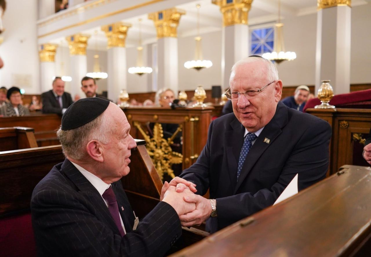 WJC President Ronald S. Lauder (left) with Israeli President Reuven Rivlin at the Great Synagogue of Copenhagen, 11 October 2018. (c) Shahar Azran / World Jewish Congress