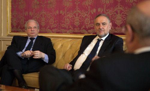Robert Singer (r) and Maram Stern (l) talking to OSCE Secretary-General Lamberto Zannier