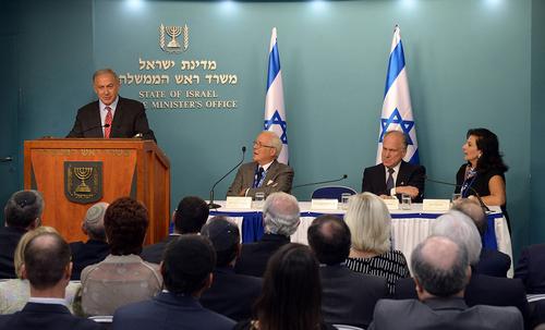 Photo (l to r): Benjamin Netanyahu, David de Rothschild, Ronald S. Lauder, Chella Safra (credit: Haim Zach/GPO)