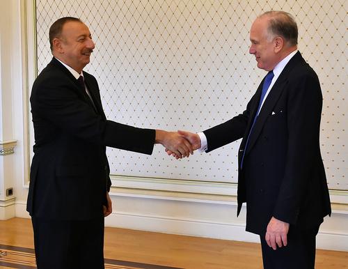 President Ilham Aliyev welcomes WJC President Ronald S. Lauder