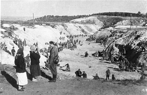 The ravine of Babi Yar shortly after the massacre