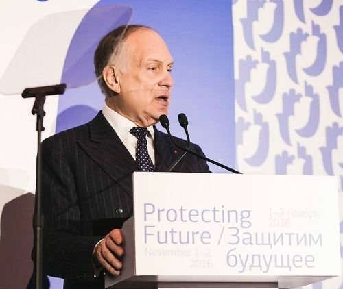 World Jewish Congress President Ronald S. Lauder speaking at the Moscow International Conference on Combating Anti-Semitism